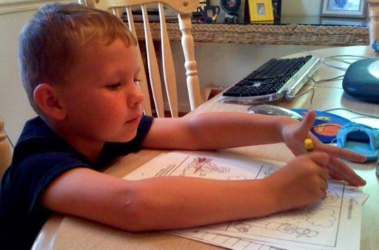 Diez consejos para que los ni os hagan los deberes - Juegos para 3 personas en casa ...