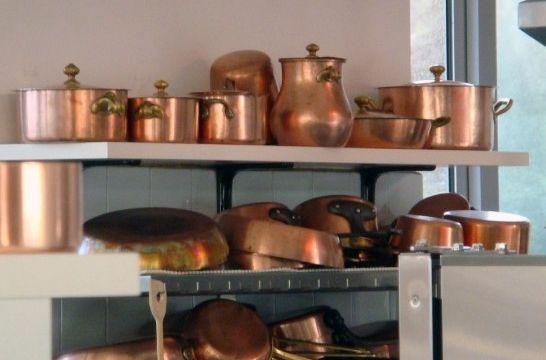 Limpiar y abrillantar objetos de cobre en la cocina for Objetos de cocina