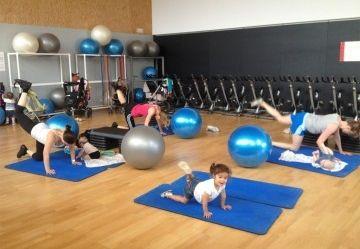 Gimnasios para madres con beb s eroski consumer for Gimnacio o gimnasio