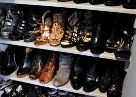 Guardar los zapatos dentro del armario conviene - Armarios para zapatos ...