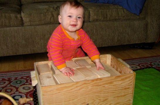 Bloques de construcci n para estimular al beb c mo for Jardineira bebe 1 ano
