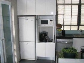 Puertas originales para la cocina eroski consumer - Puerta abatible cocina ...