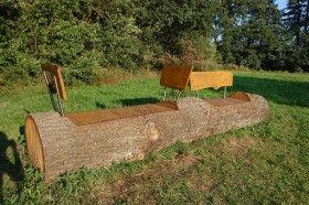 Convertir un tronco en un banco para el jard n eroski - Fotos de bancos para sentarse ...