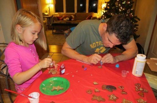 Resultado de imagen de niños y padres haciendo manualidades