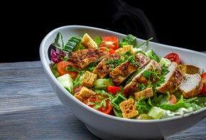 Ensalada templada: cinco ideas para cocinar | EROSKI CONSUMER