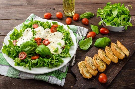 Las ensaladas m s ricas y refrescantes eroski consumer for Las mejores ensaladas