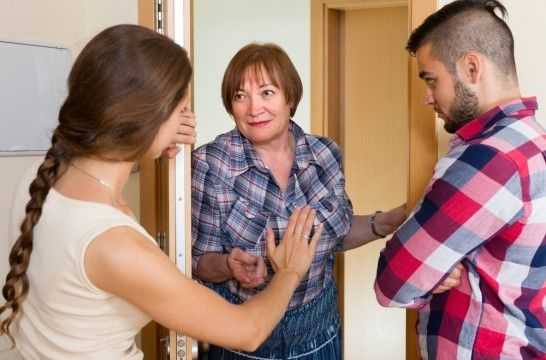 Seis estrategias para evitar problemas con los vecinos for Como solucionar problemas de condensacion en una vivienda