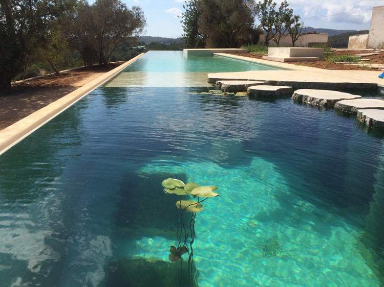 piscinas naturalizadas ba arse como en un lago eroski