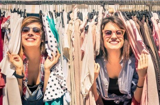 1493a3de059 Cuatro trucos para vender tu ropa usada, ¡y sacar dinero! | EROSKI ...