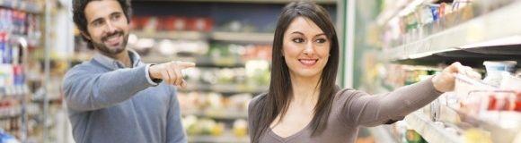 ¿Qué debe cumplir un alimento para incluir declaraciones nutricionales en la etiqueta?