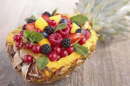 Presenta las frutas de manera original