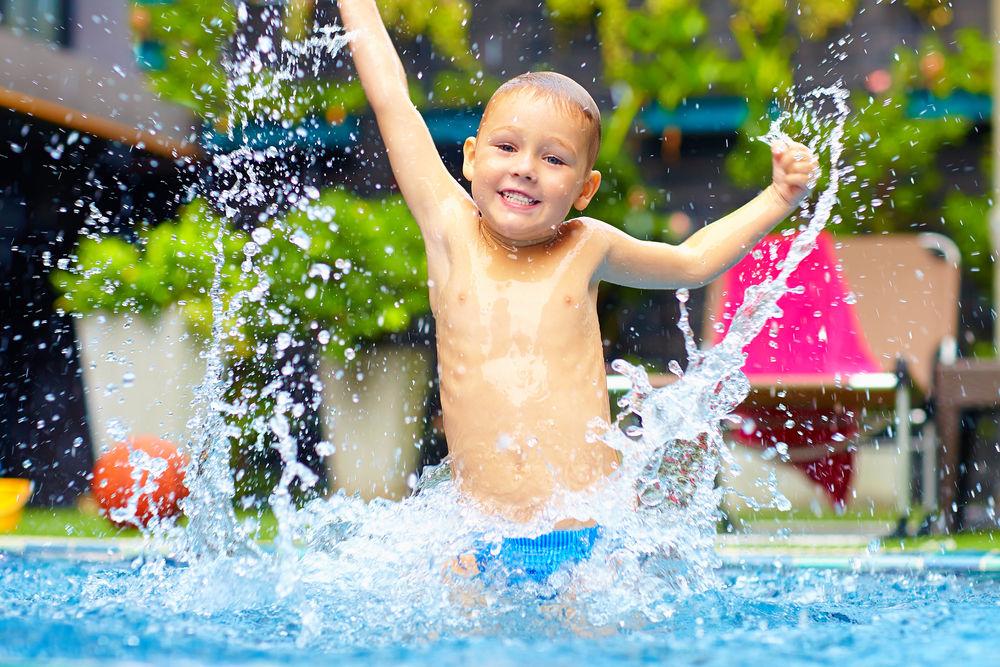 Ni os y piscinas qu precauciones tener en cuenta for Piscinas hinchables eroski