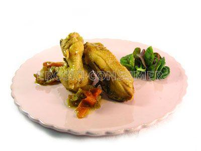 Pollo guisado con hortalizas y ensalada de berros