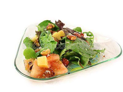 Ensalada de frutos secos con vinagreta de albaricoque