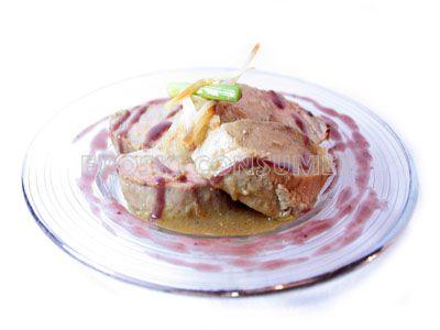 Solomillo de cerdo con salsa de manzana y uvas