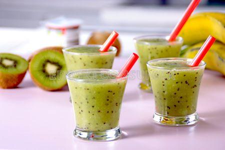 Receta de smoothie de kiwi y pltano EROSKI CONSUMER