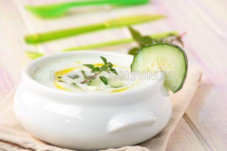 Receta de sopa fría de pepino y menta