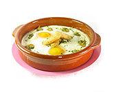 Huevos en cocotte con berberechos