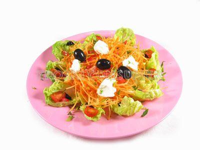Ensalada de zanahoria rallada con queso fresco