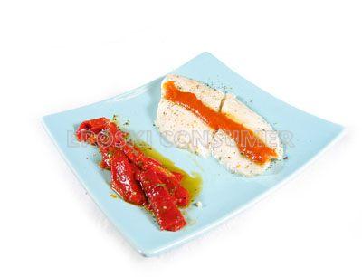 Filetes de panga al microondas con tomate y pimientos morrones